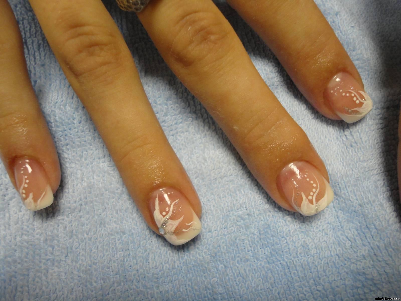 Белый френч на свои ногти фото
